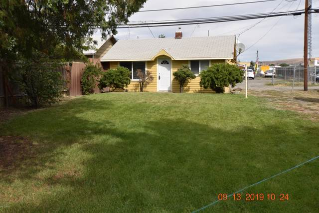 412 W 2nd St, Wapato, WA 98951 (MLS #19-2330) :: Heritage Moultray Real Estate Services