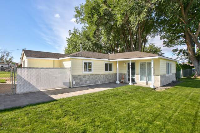 6810 W Nob Hill Blvd, Yakima, WA 98908 (MLS #19-2382) :: Heritage Moultray Real Estate Services