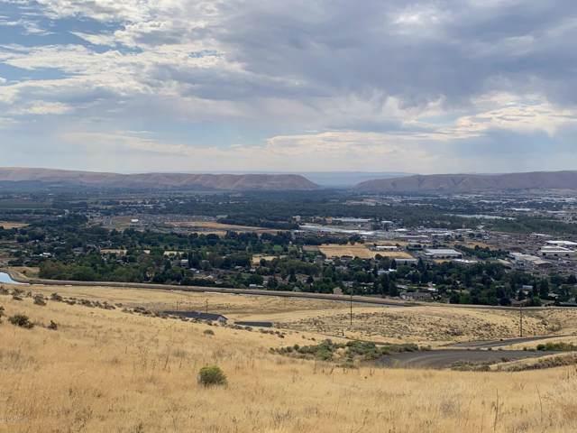 351 Kristi Ln, Yakima, WA 98901 (MLS #19-2449) :: Joanne Melton Real Estate Team