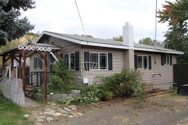 710 Pence Rd, Yakima, WA 98908 (MLS #19-2463) :: Joanne Melton Real Estate Team