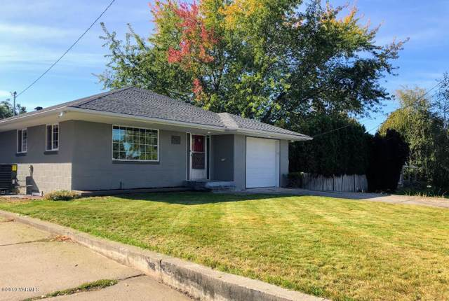 2706 Summitview Ave, Yakima, WA 98902 (MLS #19-2514) :: Heritage Moultray Real Estate Services