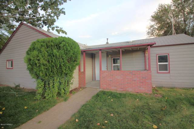 501 S 9th St, Yakima, WA 98901 (MLS #19-2538) :: Heritage Moultray Real Estate Services
