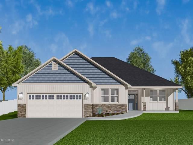 304 Seasons Pky, Yakima, WA 98901 (MLS #19-2546) :: Heritage Moultray Real Estate Services