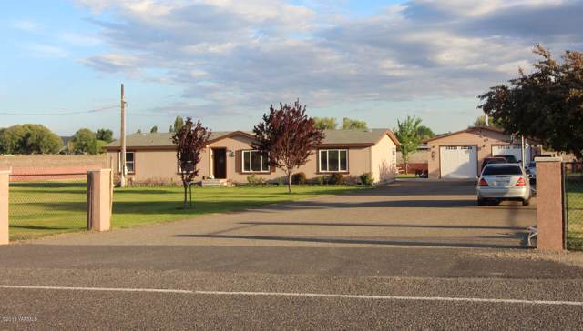 740 Barker Rd, Granger, WA 98932 (MLS #19-2548) :: Heritage Moultray Real Estate Services