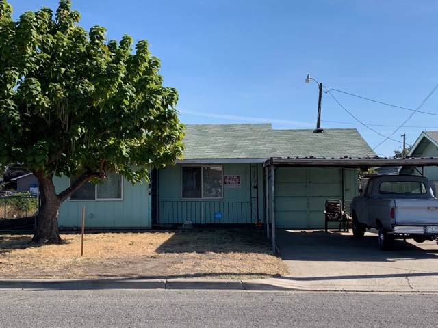 108 S C St, Toppenish, WA 98948 (MLS #19-2549) :: Heritage Moultray Real Estate Services