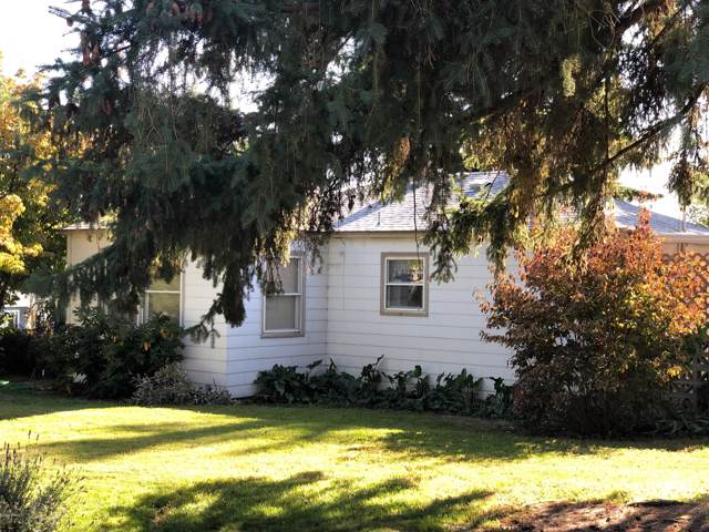802 S 28th Ave, Yakima, WA 98902 (MLS #19-2600) :: Heritage Moultray Real Estate Services