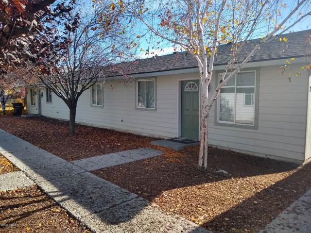 2911-2913 Castlevale Rd, Yakima, WA 98902 (MLS #19-2683) :: Heritage Moultray Real Estate Services