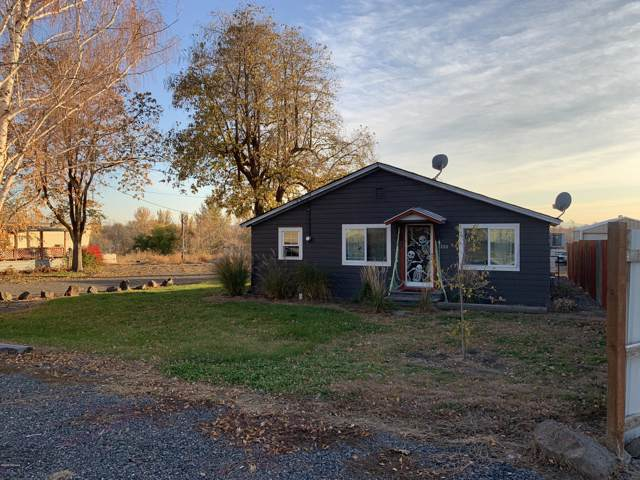 208 & 210 First Ave, Zillah, WA 98953 (MLS #19-2698) :: Amy Maib - Yakima's Rescue Realtor