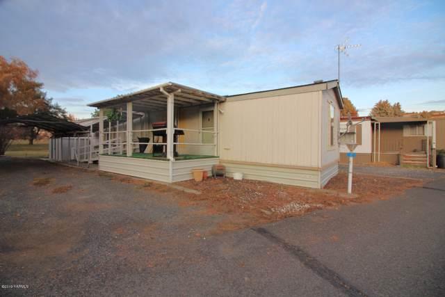 451 Pence Rd #7, Yakima, WA 98908 (MLS #19-2817) :: Amy Maib - Yakima's Rescue Realtor