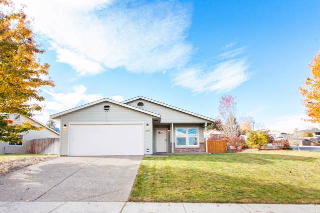 2120 S 68th Ave, Yakima, WA 98903 (MLS #19-2833) :: Heritage Moultray Real Estate Services