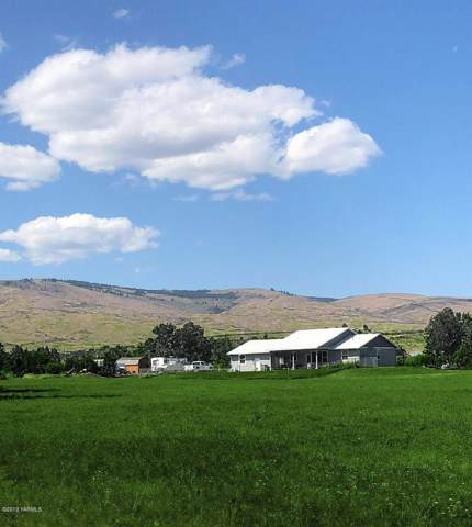 172 S Fork Rd, Yakima, WA 98903 (MLS #19-2842) :: Heritage Moultray Real Estate Services
