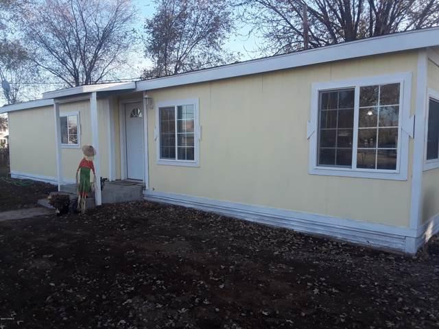1612 Simpson Ln, Yakima, WA 98901 (MLS #19-2854) :: Joanne Melton Real Estate Team