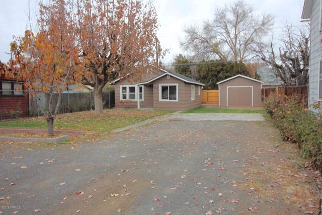 608 S 16th Ave, Yakima, WA 98902 (MLS #19-2867) :: Heritage Moultray Real Estate Services