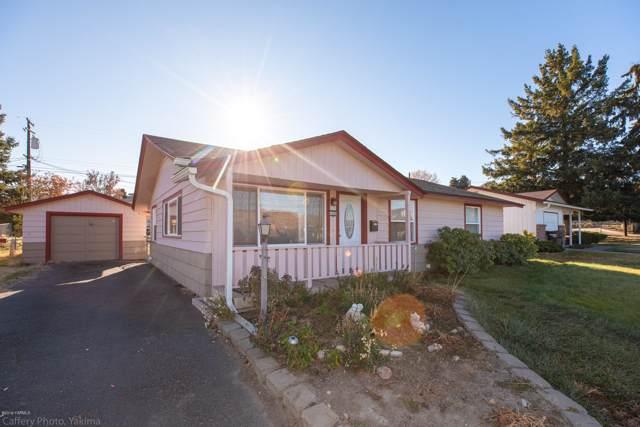 1006 W Fremont Ave, Selah, WA 98942 (MLS #19-2889) :: Amy Maib - Yakima's Rescue Realtor