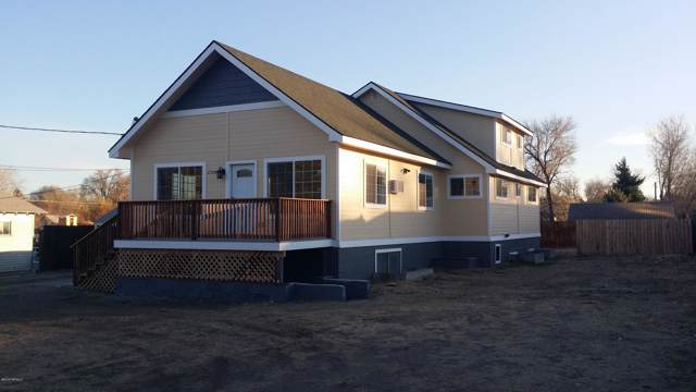 2504 Willow St, Yakima, WA 98902 (MLS #19-2926) :: Heritage Moultray Real Estate Services