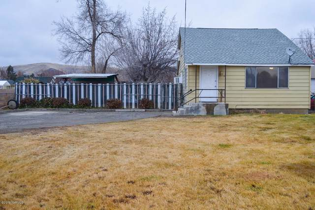 2403 Jerome Ave, Yakima, WA 98902 (MLS #19-2993) :: Heritage Moultray Real Estate Services