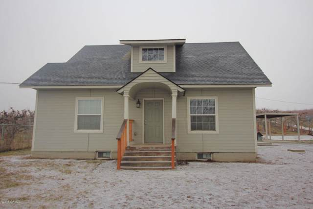 1040 Lombard Lp, Wapato, WA 98951 (MLS #19-3037) :: Joanne Melton Real Estate Team