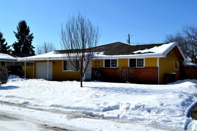 1620 S 13th Ave, Yakima, WA 98902 (MLS #19-432) :: Heritage Moultray Real Estate Services