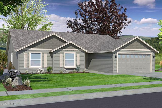 2405 S 63rd Ave, Yakima, WA 98903 (MLS #19-507) :: Heritage Moultray Real Estate Services
