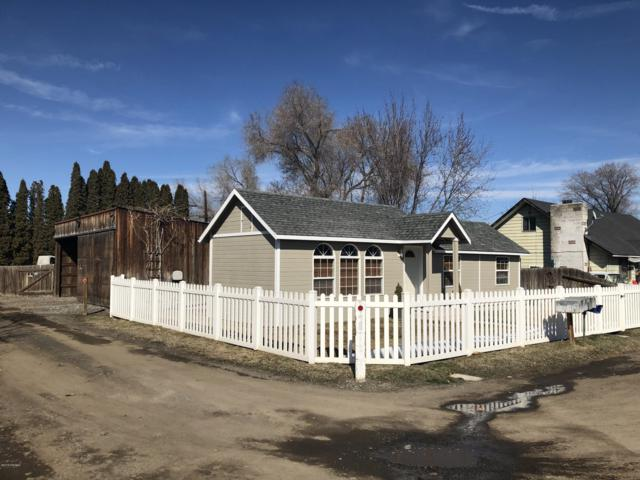 10713 Rockstrom Rd, Yakima, WA 98903 (MLS #19-568) :: Heritage Moultray Real Estate Services