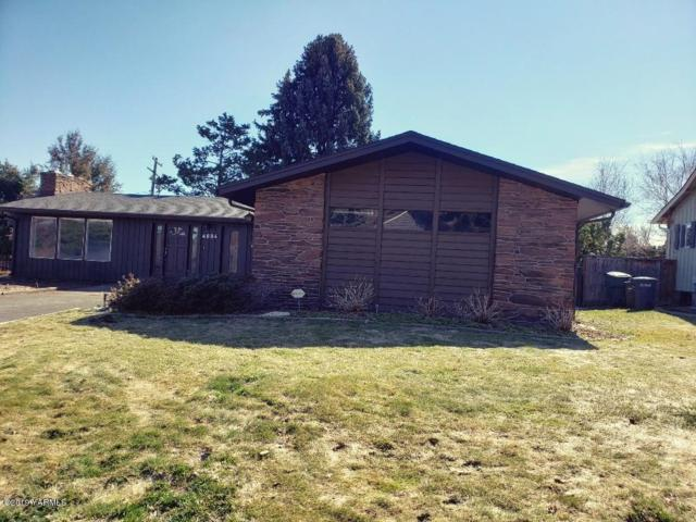 4604 Conestoga Blvd, Yakima, WA 98908 (MLS #19-581) :: Heritage Moultray Real Estate Services