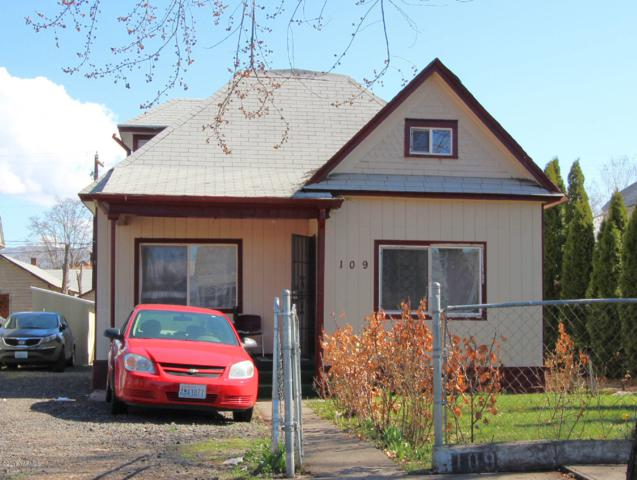 109 S 7th St, Yakima, WA 98901 (MLS #19-641) :: Heritage Moultray Real Estate Services