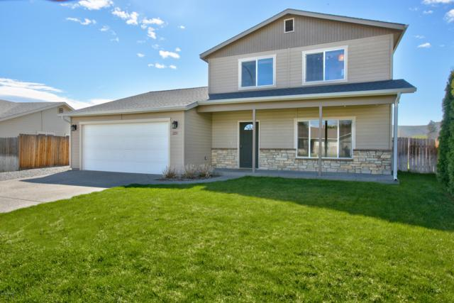 2211 S 68th Ave, Yakima, WA 98903 (MLS #19-862) :: Results Realty Group
