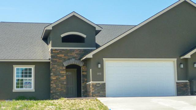 202 N 89th Ave, Yakima, WA 98908 (MLS #19-975) :: Heritage Moultray Real Estate Services