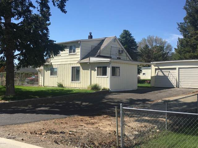 930 Lancaster Rd, Selah, WA 98942 (MLS #20-1004) :: Heritage Moultray Real Estate Services