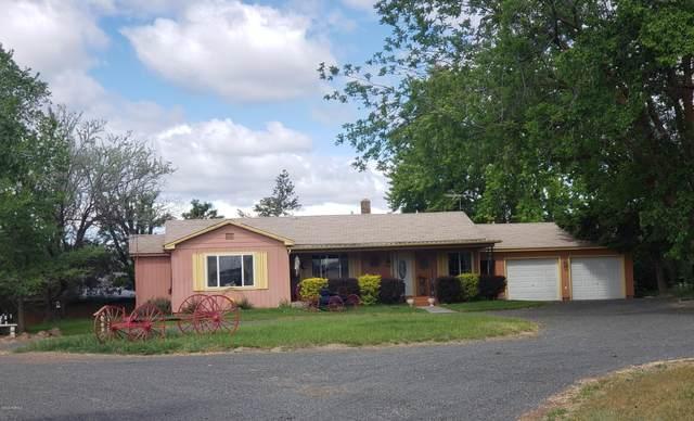 5570 N Wenas Rd, Selah, WA 98942 (MLS #20-1009) :: Heritage Moultray Real Estate Services