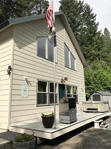 250 Pine Cliffs Dr, Naches, WA 98937 (MLS #20-1019) :: Heritage Moultray Real Estate Services