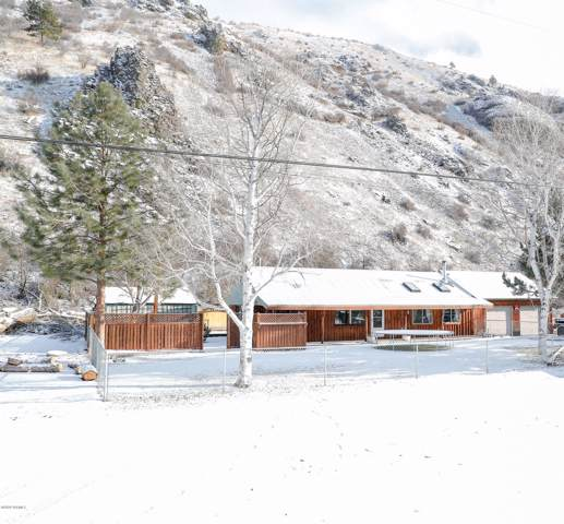 10461 Hwy 410 Ave, Naches, WA 98937 (MLS #20-102) :: The Lanette Headley Home Group