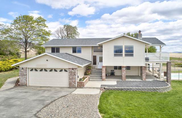 51 High Valley View St, Yakima, WA 98901 (MLS #20-1044) :: Heritage Moultray Real Estate Services