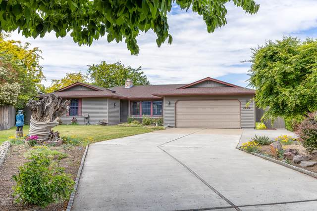 1404 S 25th Ave, Yakima, WA 98902 (MLS #20-1064) :: Heritage Moultray Real Estate Services