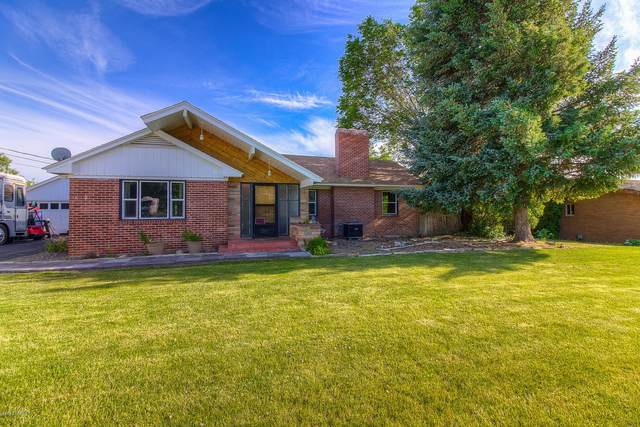 5302 W Lincoln Ave, Yakima, WA 98908 (MLS #20-1096) :: Heritage Moultray Real Estate Services