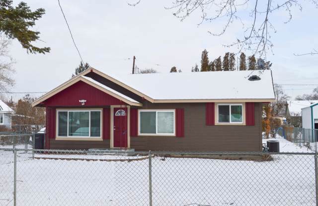 1213 S 10th Ave, Yakima, WA 98902 (MLS #20-110) :: Heritage Moultray Real Estate Services