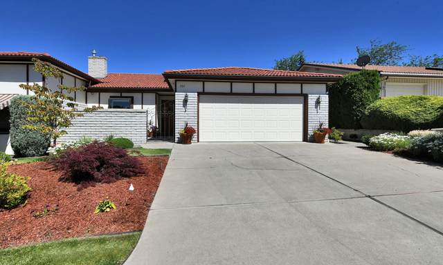 701 N 43rd Ave, Yakima, WA 98908 (MLS #20-1323) :: Heritage Moultray Real Estate Services