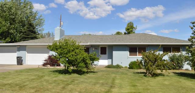 211 S 46th Ave, Yakima, WA 98908 (MLS #20-1329) :: Heritage Moultray Real Estate Services