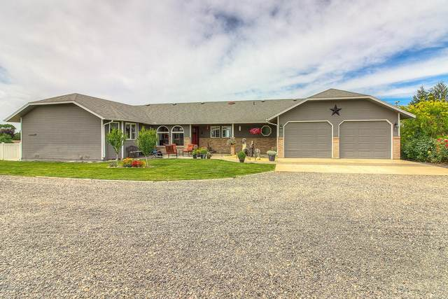 1253 Lucy Ln, Zillah, WA 98953 (MLS #20-1337) :: Heritage Moultray Real Estate Services