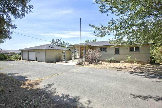5220 Norman Rd, Yakima, WA 98901 (MLS #20-1407) :: Heritage Moultray Real Estate Services