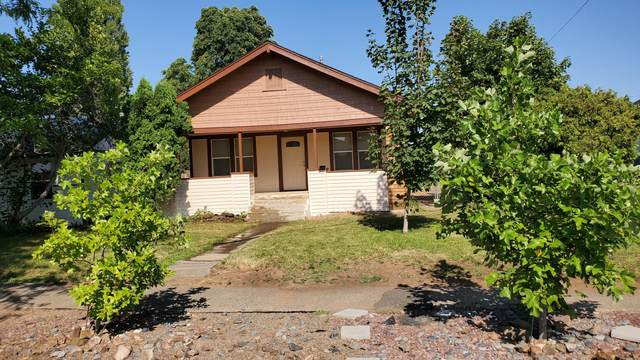 313 S 13th Ave, Yakima, WA 98902 (MLS #20-1430) :: Heritage Moultray Real Estate Services