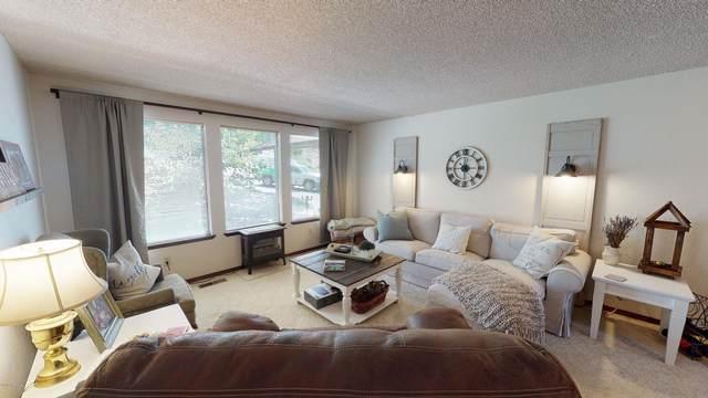 30 Cedar Hill Dr, Yakima, WA 98908 (MLS #20-1439) :: Joanne Melton Real Estate Team