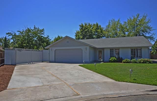 7004 Scott Ct, Yakima, WA 98908 (MLS #20-1459) :: Heritage Moultray Real Estate Services