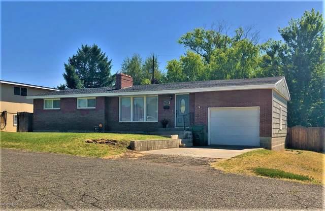 705 W Concord Ave, Grandview, WA 98930 (MLS #20-1484) :: Joanne Melton Real Estate Team