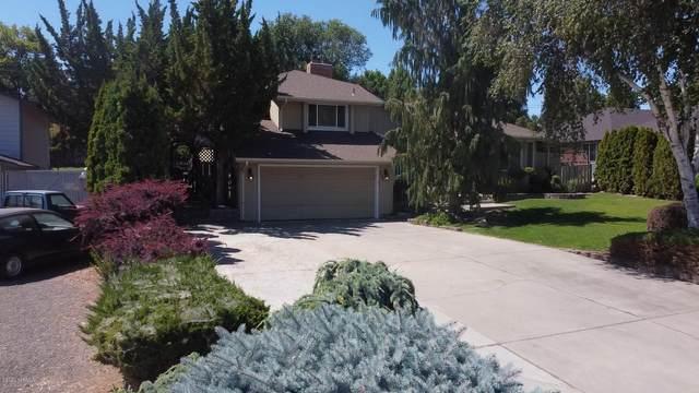 208 N 63rd Ave, Yakima, WA 98908 (MLS #20-1600) :: Joanne Melton Real Estate Team