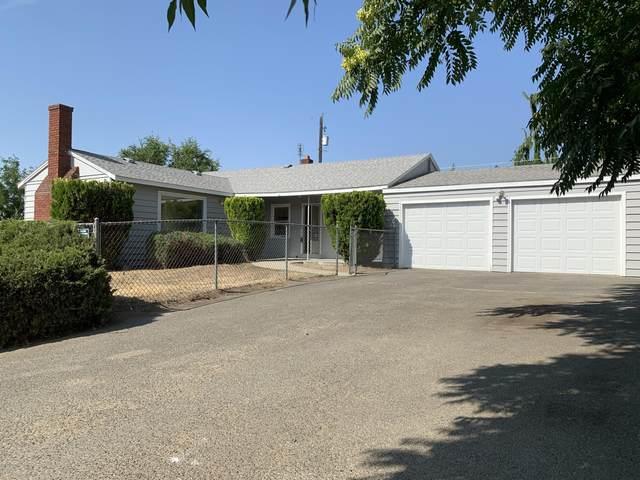 208 Ridgeway Ave, Yakima, WA 98901 (MLS #20-1615) :: Joanne Melton Real Estate Team