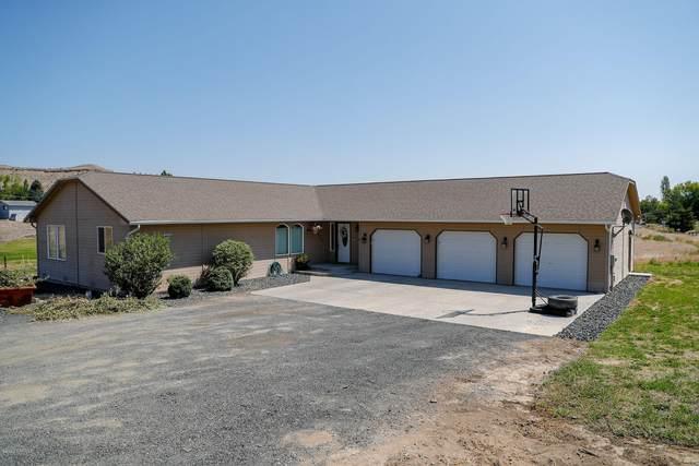 4121 Selah Loop Rd, Selah, WA 98942 (MLS #20-1633) :: Joanne Melton Real Estate Team
