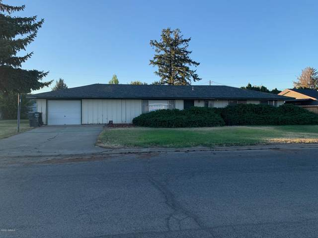 1402 Adams Ave, Toppenish, WA 98948 (MLS #20-1640) :: Heritage Moultray Real Estate Services