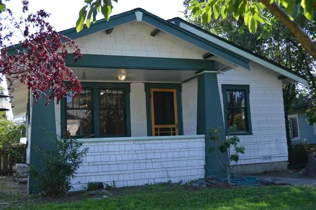 419 S 17th Ave, Yakima, WA 98902 (MLS #20-1662) :: Joanne Melton Real Estate Team