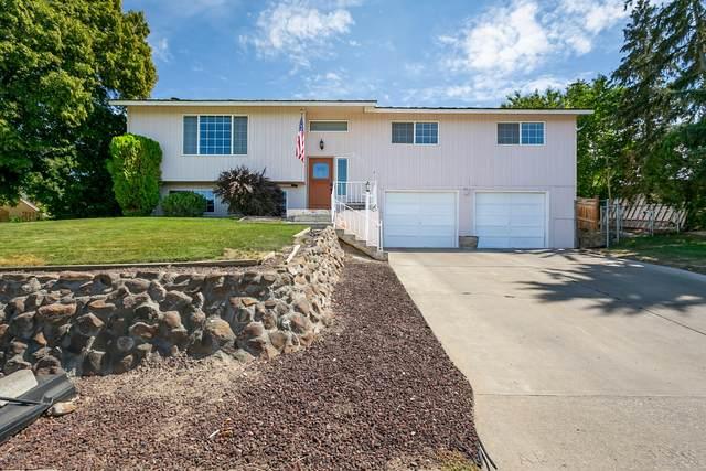 923 Vine Ave, Sunnyside, WA 98944 (MLS #20-1724) :: Joanne Melton Real Estate Team
